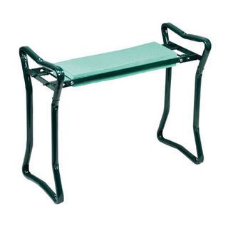 folding garden kneeler and bench folding gardening bench. Black Bedroom Furniture Sets. Home Design Ideas