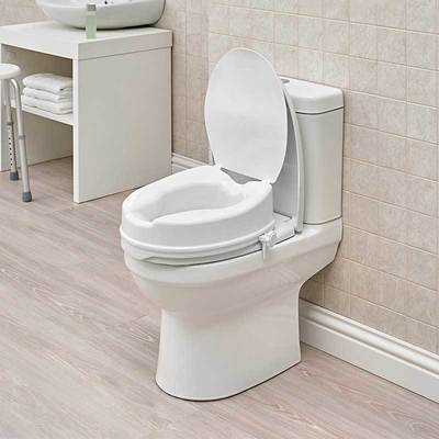 Reach Toilet Seat with Lid